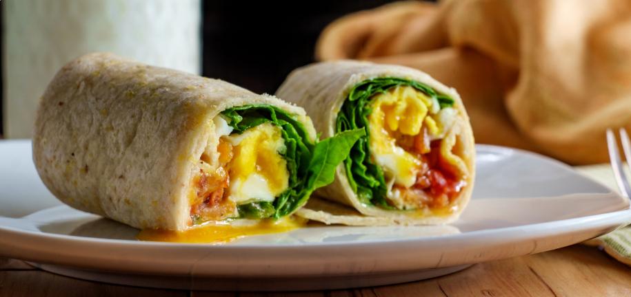 Wrap de desayuno alto en proteínas